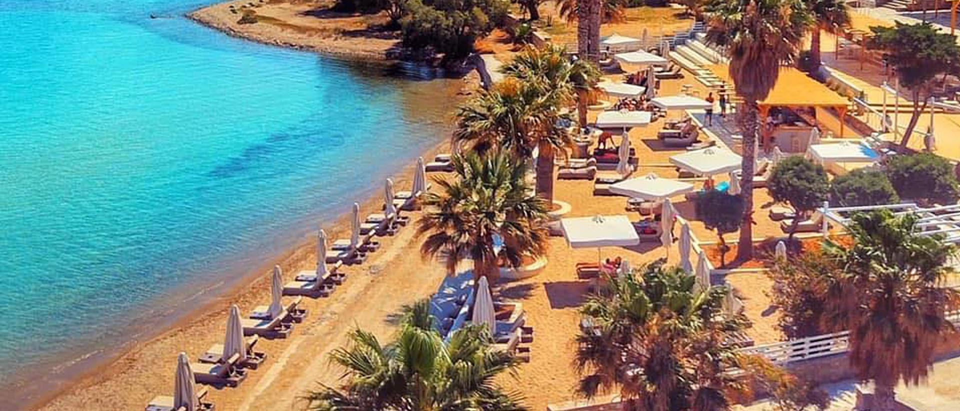 Ζήσε το καλοκαίρι σου ταξίδεψε με τους ρυθμούς της μουσικής στο Cabana Paros.