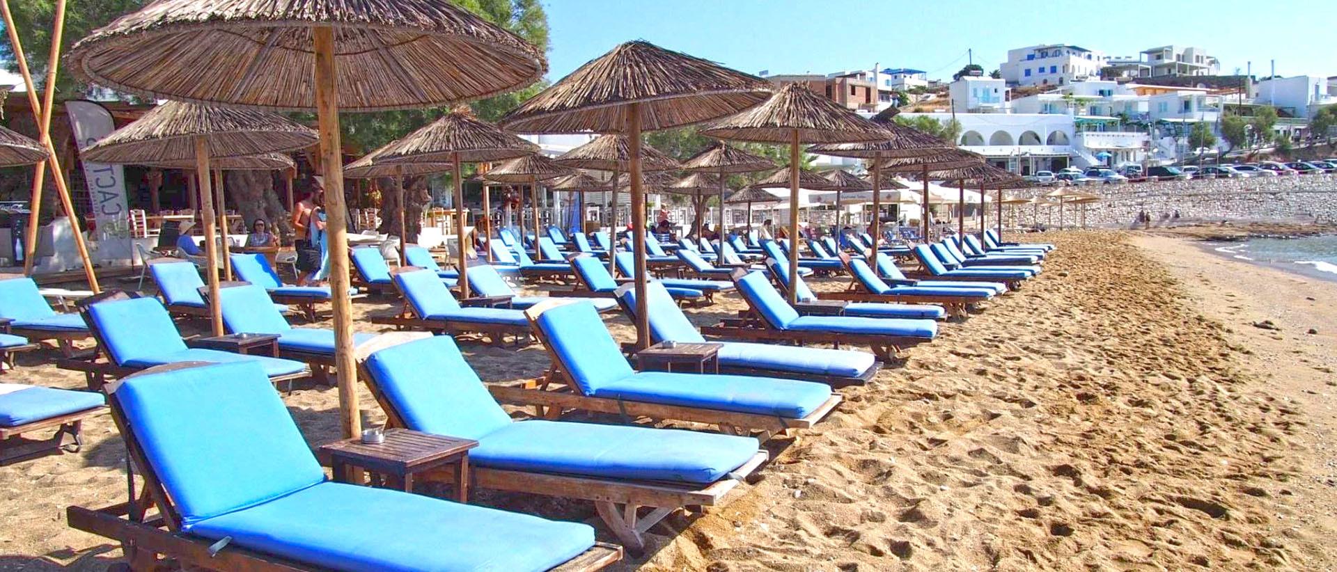 A well organized beach, awarded with a blue flag.