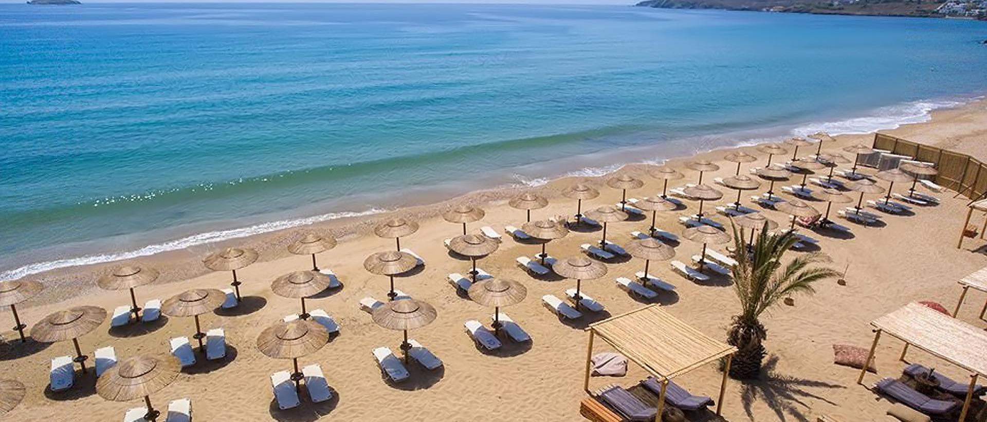 Το Kaliva Beach Bar υπόσχεται μοναδικές δροσιστικές στιγμές πάνω στη θάλασσα