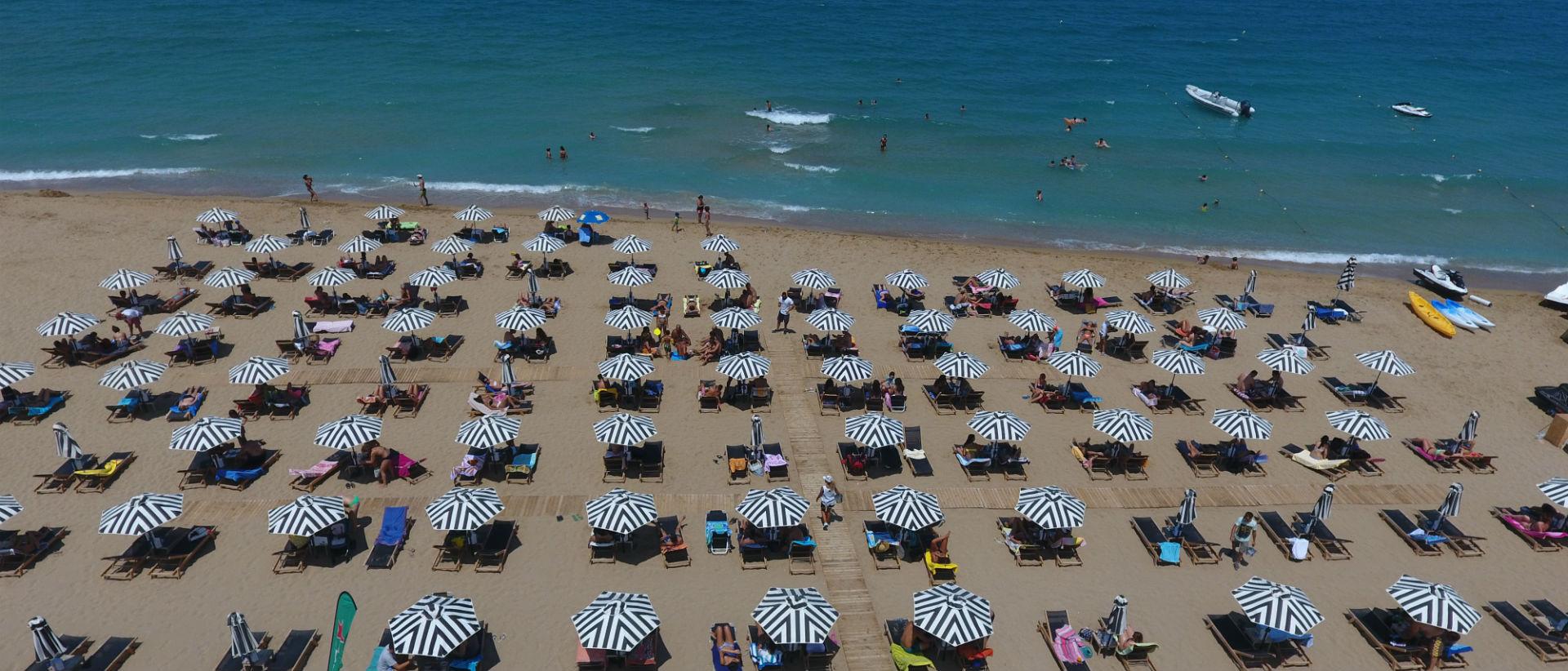 Ο απόλυτος συνδυασμός ποιότητας και άψογης εξυπηρέτησης τώρα και στην παραλία.