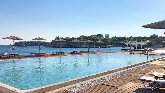 Grand Beach Pool Lagonissi